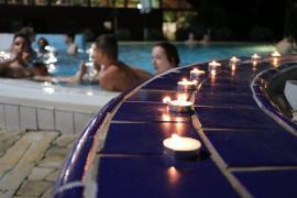 Éjszakai fürdőzés Barcson